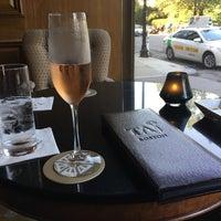 Foto scattata a The Bar at the Taj Boston da Danielle B. il 9/16/2017