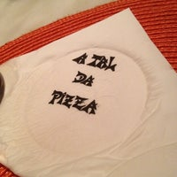 Photo taken at A Tal da Pizza by Raphael Armand on 12/11/2012