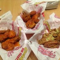 Photo taken at Buffalo's Wings N' Things by Kae ✨ on 9/12/2013
