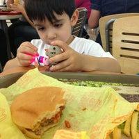 Foto tomada en McDonald's por Jimena C. el 7/30/2013