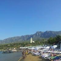 Photo taken at Escape Beach Club by Cenk as DuRrDenN♠️ on 7/22/2013