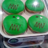 Photo taken at Krispy Kreme by 👊 J o r g e F. on 10/12/2016
