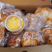 Foto scattata a 85C Bakery Cafe - Irvine da 85C Bakery Cafe il 6/18/2014