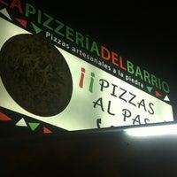 Das Foto wurde bei La Pizzería del Barrio von Macarena R. am 10/28/2012 aufgenommen