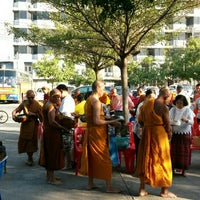 Photo taken at วัดทองพุ่มพวง by Sumalee J. on 1/3/2016