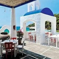 Das Foto wurde bei Meandros Restaurant von Ismail E. am 10/8/2014 aufgenommen