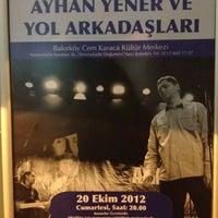 10/20/2012 tarihinde Aslin ♰ 👑ziyaretçi tarafından Cem Karaca Kültür Merkezi'de çekilen fotoğraf