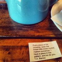 Photo prise au Blue Dahlia Bistro par Shelly A. le12/20/2012