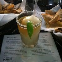 รูปภาพถ่ายที่ E Bar Tex-Mex โดย K F. เมื่อ 10/13/2012
