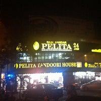 Photo taken at Nasi Kandar Pelita by Ezuardi R. on 12/21/2012