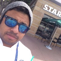 Foto tomada en Starbucks por Henry R. el 3/11/2014