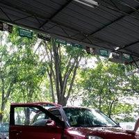 Photo taken at Car Wash Siam Sek 26 Depan Akademi Petronas by Iry Q. on 4/6/2014