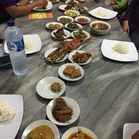 Photo taken at Rumah Makan Padang ACC Minang by Jali🌠 Z. on 10/11/2014