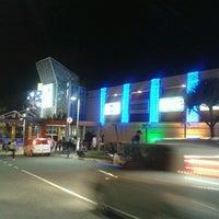 Foto tirada no(a) Shopping União por Arnold O. em 11/22/2012