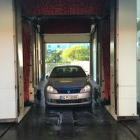 Photo taken at PO Super Wash Cennet by Berat T. on 5/6/2016