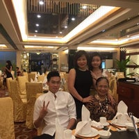 Photo taken at Dragon Chinese Restaurant by Ting J. on 7/30/2016