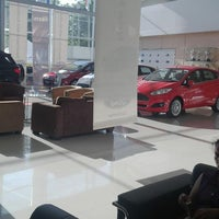 Photo taken at Ford Banjarmasin by Nio W. on 5/30/2014