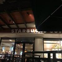 Das Foto wurde bei Starbucks von elly🐝 am 1/27/2018 aufgenommen