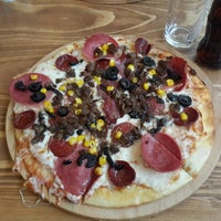 Photo taken at Pizza Il Forno by Bahadır G. on 2/22/2015