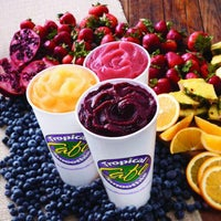 Photo taken at Tropical Smoothie Cafe One Loudoun by Tropical Smoothie Cafe One Loudoun on 4/8/2014