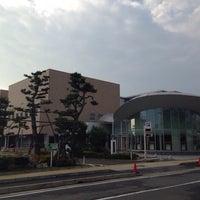 6/19/2014にMitsuhiro K.がほんぽーと 新潟市立中央図書館で撮った写真
