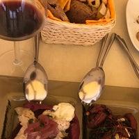 Foto scattata a Peccato di Vino da Pelin K. il 9/17/2017