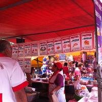 Photo taken at Feira Livre by Mil e Uma Viagens (. on 11/2/2012