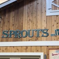 Foto scattata a Sprouts Farmers Market da Jessica W. il 7/2/2018