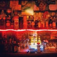 Foto tomada en Kentucky Bar por Fhil N. el 2/9/2013
