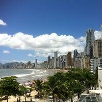 Foto tirada no(a) Hotel Marambaia por Lucas S. em 12/23/2012