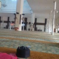 Photo taken at Masjid Kuarters KLIA by Syafiqramli -. on 7/4/2015