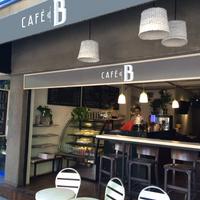 Foto tomada en Café B por Café B el 4/10/2014