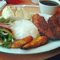 Photo taken at Papi's Cuban & Caribbean Grill by Nile L. on 12/28/2012