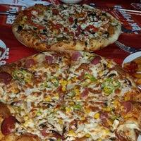 Photo taken at Pizza Pizza by Münevver U. on 10/31/2015