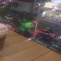 Photo taken at Starbucks by Boram K. on 10/20/2017