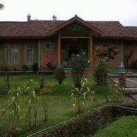 Photo taken at Villa Bintang by Andika Khairani A. on 9/22/2012