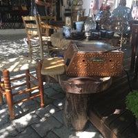 Photo taken at Moğti Karadeniz Çay Evi by didem b. on 7/2/2017
