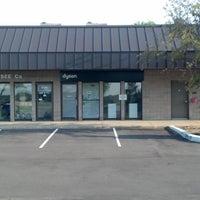 Das Foto wurde bei Dyson Service Center von Dyson Service Center am 5/31/2014 aufgenommen