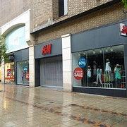 Снимок сделан в H&M пользователем University of Nottingham 3/4/2013