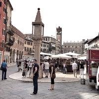 Foto scattata a Piazza delle Erbe da 111 *. il 5/3/2013