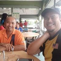 Photo taken at Restoran Roda by Asrul Husni H. on 1/4/2017