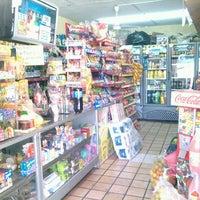 Photo taken at tienda de abarrotes el arbolito by Pepe D. on 4/30/2014