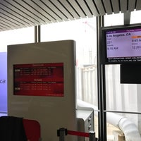 Photo taken at Gate L3 by Johnathan on 4/20/2017
