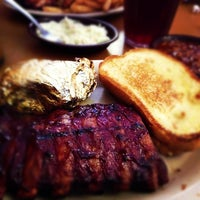 รูปภาพถ่ายที่ Sonny's BBQ โดย Ryan A. เมื่อ 9/24/2012
