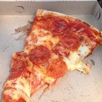 Снимок сделан в Pontillo's Pizzeria пользователем Sean T. 8/8/2014