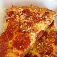 Photo taken at Captain Tony's Pizza & Pasta by Rick U. on 3/12/2013