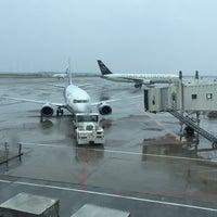 Photo taken at Gate 35 by ぽたぽた on 10/22/2014
