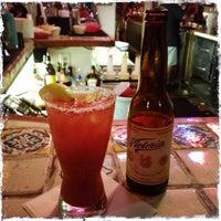 6/21/2013 tarihinde Cinzia L.ziyaretçi tarafından Guero's Taco Bar'de çekilen fotoğraf