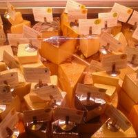 Foto scattata a Antonelli's Cheese Shop da Donald P. il 2/26/2013
