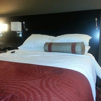 Photo taken at Four Points by Sheraton Milwaukee North by Вадим Т. on 8/4/2013